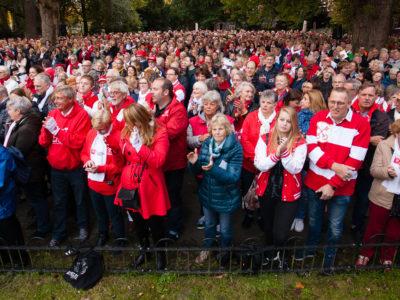 Wie kleurt Leiden het meest rood-wit en maakt daarmee kans op Ontzettend mooie prijzen ?